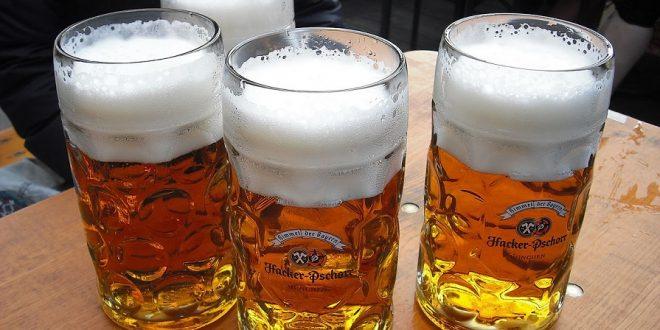 pivo na oktoberfestu, autor ich talk, zdroj wikipedie, licence obrázku publuc domain